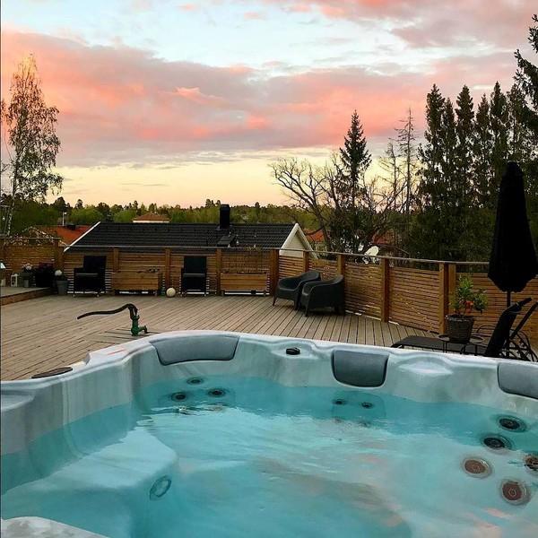 jacuzzi bain remous jardin terrasse rigide privatif pas cher