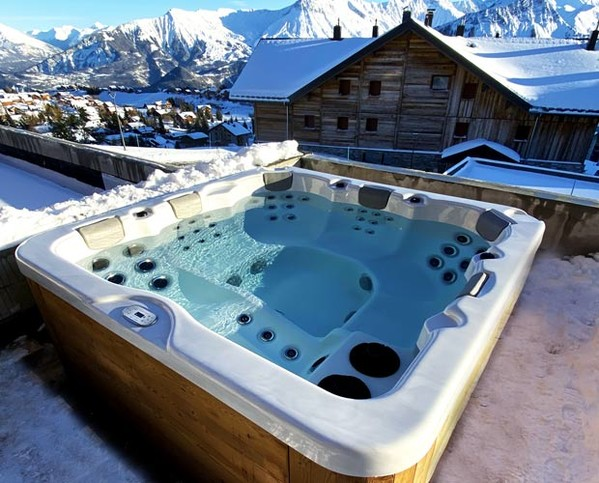 jacuzzi portable privatif 230 230 cm place allongee savoie isere