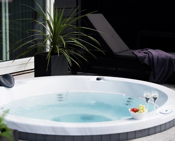 spa rond 5 place rigide exterieur interieur massage 12 jets