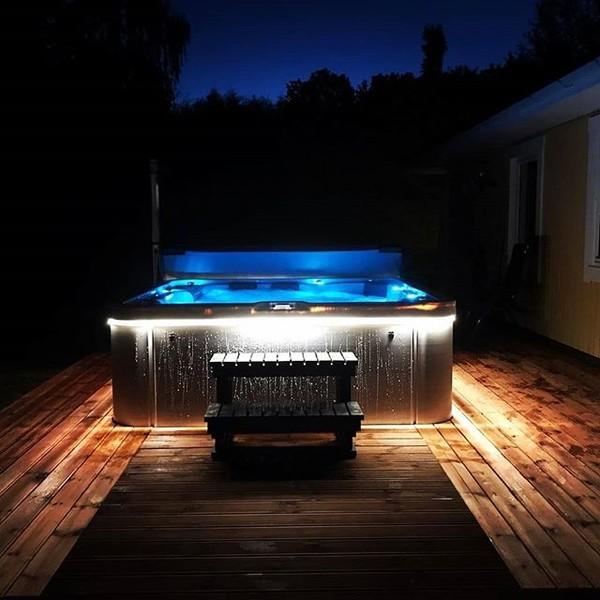spa-jacuzzi-relaxation-jardin-massage-isolation-montagne