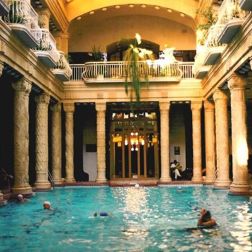spa budapest gellert bains remous